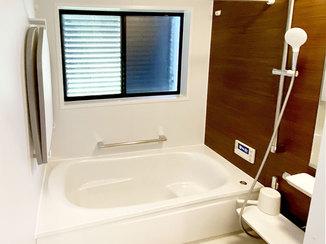 バスルームリフォーム 雨天でも洗濯物が干せる、お掃除ラクラクの浴室